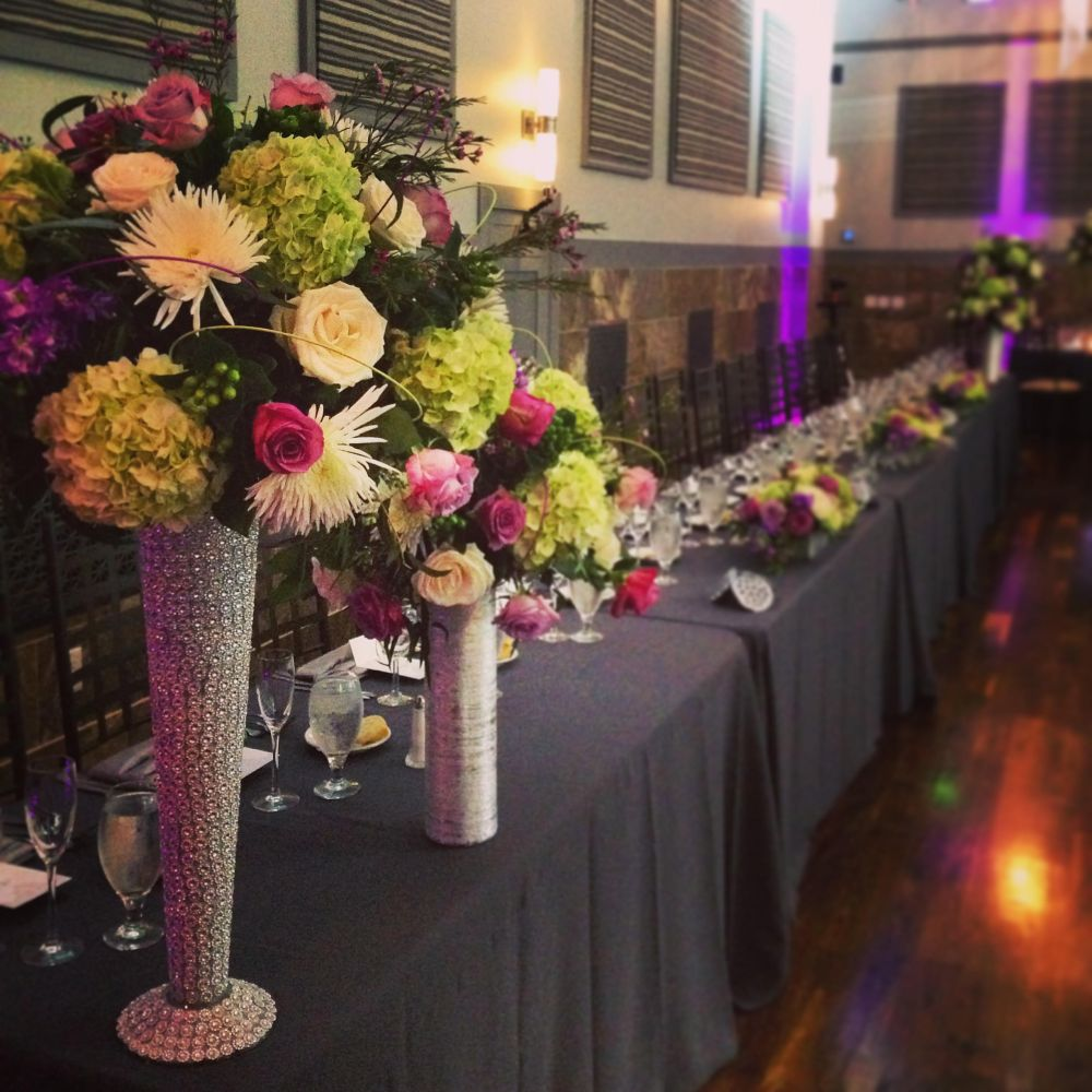 Bridal table with flowers