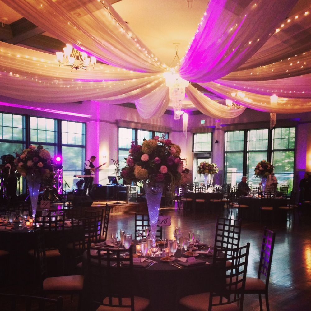 Logsdon-Pina venue: decor, flowers and lighting design